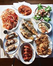 Easy peasy recipe for christmas eve! 29 Heavenly Christmas Foods From Around The World Traditional Christmas Eve Dinner Seven Fishes Seafood Recipes