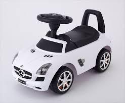 2歳の男の子が夢中になる誕生日プレゼント子どもが喜ぶ人気おもちゃと