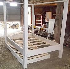 DIY Twin Pallet Wood Canopy Bed – 101 Pallets