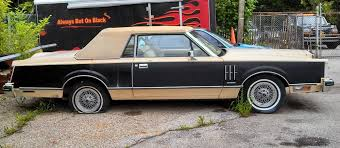 curbside classic 1983 lincoln continental mark vi missing the mark first the lines of the mark v simply did not translate to the new smaller dimensions while the mark v certainly had its weaknesses it was nonetheless a