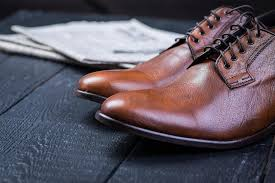 best way to keep clean leather shoes