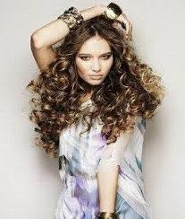 Rýchlo A Krásne Položte Vlnité Vlasy Pokladanie Kučeravých Vlasov