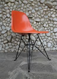 eames eiffel fiberglass side chair. eames eiffel fiberglass side chair e