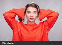 Rozkošný Evropská Dospívající žena Tmavými Zrzavé Vlasy Nosí Volné