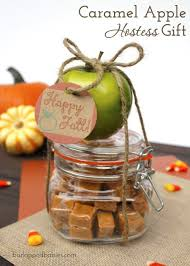 Offer this fun caramel apple kit as a Thanksgiving hostess gift or party  favor.
