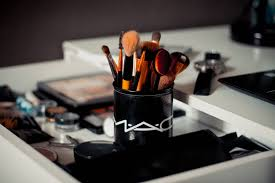 types of makeup brushes their uses