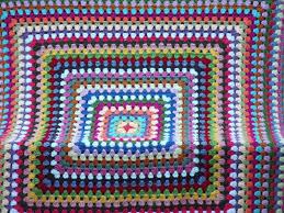 Easy Crochet Pattern: Granny Square Afghan Tutorial & Monday, August 22, 2011 Adamdwight.com
