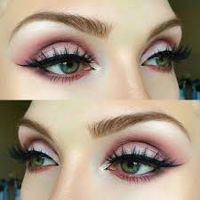 5 makeup styles for people with green eyes