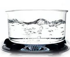 Resultado de imagen de El agua en un recipiente y puesta al fuego hierve a los 100 grados C