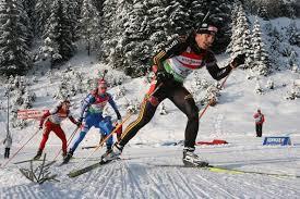 Лыжные шаги виды Техника классических лыжных ходов реферат Здесь одновременно с толчком ногой лыжник должен вынести вперед соответствующую руку Опора поднимается вверх Толчок ногой скользящий