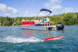 2017 avalon ls cruise pontoon boat playing with rc boat