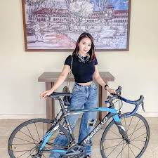 Raffi ahmad jawab tantangan luna maya gowes sepeda bareng, ari lasso ikutan panas. 7 Harga Sepeda Artis Ini Bikin Geleng Geleng