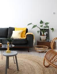 Warm Wonen Met Okergele En Donkergroene Tinten In Huis