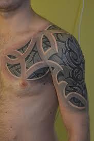 тату татуировка плечо трайбл