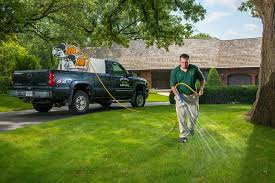 Landscaping And Lawn Care Pekin Il Golf Green Lawn Care