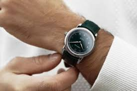 the best men s watches and watch brands for 2017 reviewed at 10 of the best men s green dial watches