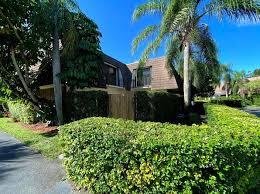 small munity palm beach gardens
