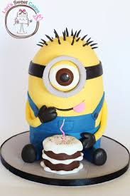 Minion Cake - OMG I want this to be my birthday cake