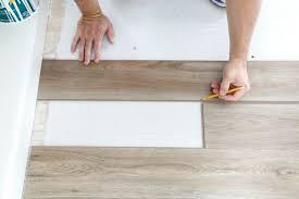 installing vinyl plank flooring cutting end pieces