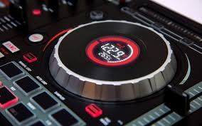 mixtrack platinum dj controller jog wheel display numark you need flash player 8 or above