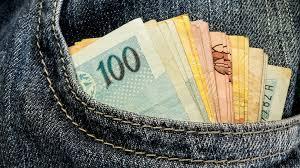 Resultado de imagem para fotos de dinheiro. salários