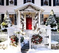 pictures of homes decorated for christmas outside homes photo