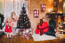 Christmas Family Photo Try These Awesome Christmas Family Photo Ideas This Year