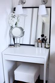 7 Inspiring Examples Of Makeup Dressing Tables For Small Spaces