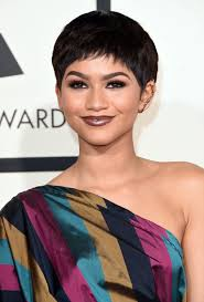 PICS] Zendaya At Grammy Awards \u2014 See Her Pixie Haircut Makeover ...