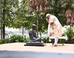 காந்தி அதிகாரத்துக்கு ஆசைப்படாத ஒரு மகாத்மா