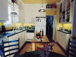 Yellow Wall Kitchen Yellow Kitchen Walls With White Cabinets Monsterlune