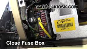 interior fuse box location 1994 1998 land rover discovery 1998 interior fuse box location 1994 1998 land rover discovery 1998 land rover discovery lse 4 0l v8