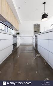 Wunderbar Betonboden Küche Zeitgenössisch - Ideen Für Die Küche