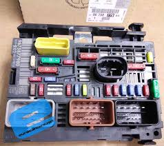 9675877980 engine fuse box zoom