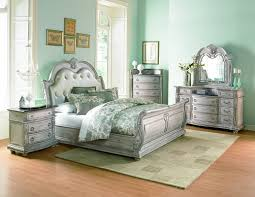 Toddington Upholstered Sleigh Bed