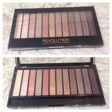 the first thing i purchased was the iconic 3 palette from makeup revolution this palette was made to be a dupe of urban decay s 3