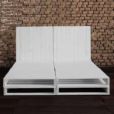 As paletes são uma opção perfeita para criar cabeceiras de cama, com opções mais simples ou mais elaboradas, para camas de casal ou de criança. Conjunto De Cama De Pallet E Cabeceira Union A Palleteria