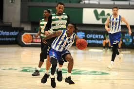 O sporting derrotou este domingo o fc porto no quarto jogo da final do playoff do campeonato nacional de basquetebol. F C Porto Vence Sporting E Empata Final Da Liga De Basquetebol