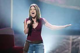Kelly Clarkson Reveals Stars Were 'Mean ...
