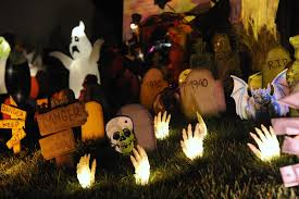 Indoor halloween decorating ideas Scary Cheap Diy Halloween Decoration Ideas Halloween Costumes 10 Cheap Diy Halloween Decorating Ideas indoor Outdoor