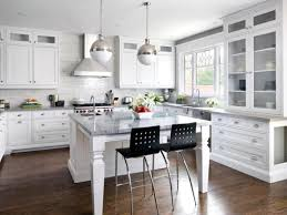 White Kitchens With Wood Floors White Shaker Kitchen Cabinets Dark Wood Floors Kitchen Idea