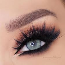 eye makeup for blue eyes does not necessarily have to be plex to look gorgeous