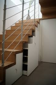 ✅ gestalten sie ihre neuen möbel für unter treppen mit auch sind manche treppen so gebaut, dass schränke oder kommoden auf jeden fall abgeschrägte seiten benötigen. Treppen Mit Unterbau Fur Zusatzlichen Stauraum Und Platz