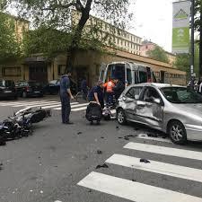 Milano, incidente stradale in viale Umbria: auto contro ...