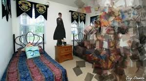 harry potters bedroom under the stairs potter home decor ideas