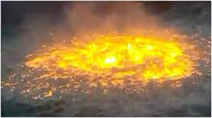 An oil pipeline fire in the gulf of mexico was reportedly brought under control and extinguished after a hellish scene of massive flames erupting directly from roiling waters friday. E Fqpenbufsiem
