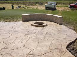 stamped concrete patio w firepit