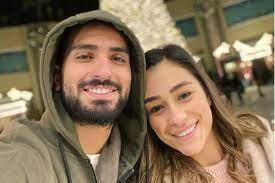 محمد الشرنوبي وزوجته يحتفلان بالعام الجديد بعد تعافيهما من كورونا