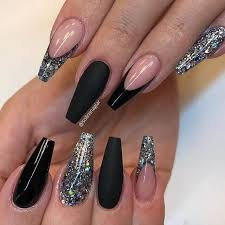 45 high drama hollywood black and glitter nails