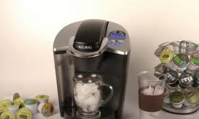 Fill a glass with ice. 5 Easy Steps To Make Iced Coffee With A Keurig